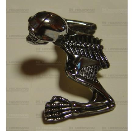 Ornament na osłonę przedniego reflektora SKULL, rozmiar S, 85 mm, sztuka. Producent: Highway Hawk.